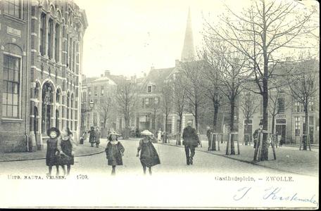 5588 PBKR1080 Het Gasthuisplein vanaf de Vijfhoek gezien, ca. 1900. Geheel links het klooster RK Gesticht van Liefde, ...