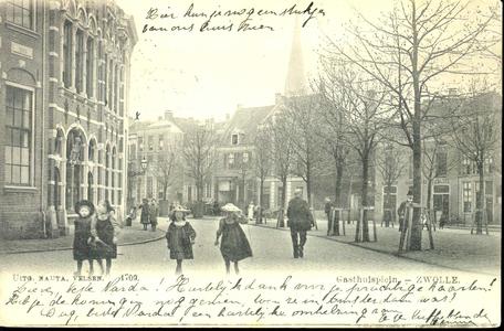 5589 PBKR1081 Het Gasthuisplein vanaf de Vijfhoek gezien, ca. 1900. Geheel links het klooster RK Gesticht van Liefde, ...