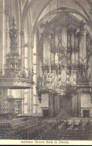 5631 PBKR1661 Grote Kerk, interieur ca. 1910. Kerkbanken, preekstoel, kroonluchter en zicht op orgel., 1910-00-00
