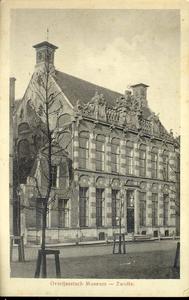 5650 PBKR2221 Melkmarkt 41, gezicht op het Provinciaal Overijssel Museum, nu Stedelijk Museum Zwolle, ca. 1915. Het ...