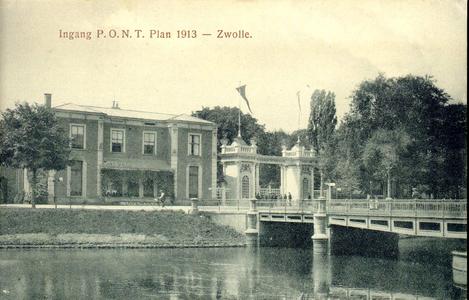 5729 PBKR0540 Toegangspoort ontworpen door architect Meijerink 1913, hoofdingang van Park Eekhout als ...