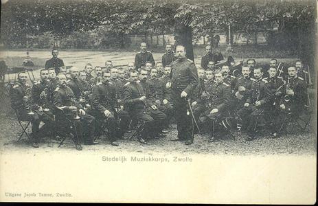 5845 PBKR2273 Stedelijk Muziekkorps, Zwolle, ca. 1900. Waarschijnlijk in de tuin van de Buitensociëteit aan de ...