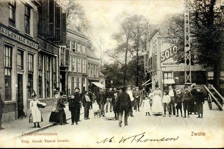 6156 PBKR0621 Gezicht op de Diezerpoortenplas in de richting van de Stenen pijp, ca. 1900. De huizen aan de linkerzijde ...