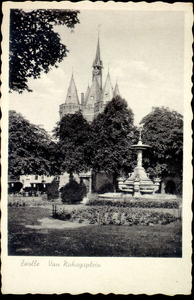 6255 PBKR2336 Het Van Nahuysplein met de fontein uit 1892, geschonken aan burgemeester Jhr. W.C.Th. van Nahuys in ...
