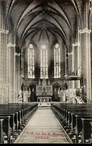 6288 PBKR2912 Interieur van de R.K. Sint-Michaelskerk uit 1892 aan de Roggenstraat. De kaart is afgestempeld in 1909., ...