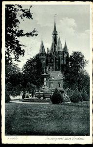 6296 PBKR2920 Fontein Van Nahuysplein met op de achtergrond de Sassenpoort, 1935., 1935-00-00