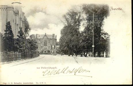 635 PBKR3683 Gouverneurshuis (Ter Pelkwijkstraat 22) en gevel Plantagekerk, Ter Pelkwijkstraat 17, in zijaanzicht uit ...