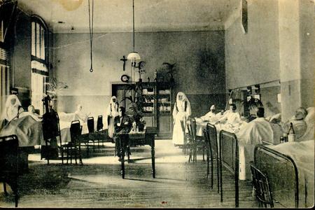 6600 PBKR1241 Interieur van de mannenzaal in het oude gedeelte uit 1902 van het R.K. ziekenhuis aan de Blekerstraat. ...