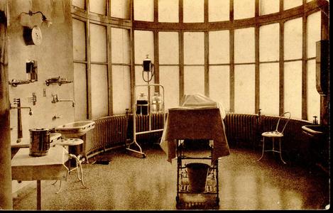 6602 PBKR1243 Interieur van een van de twee operatiekamers in het oude gedeelte uit 1902 van het R.K. ziekenhuis aan de ...