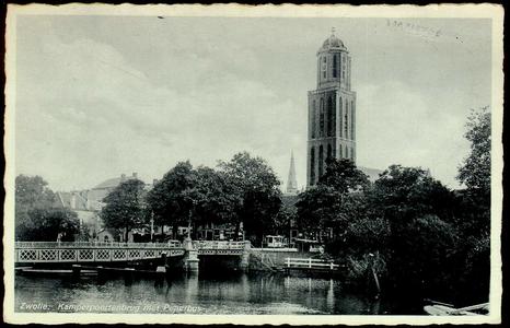 6649 PBKR1829 Gezicht vanaf de Harm Smeengekade (voorheen Beestenmarkt) op de Kamperpoortenbrug (stalen draaibrug, ...
