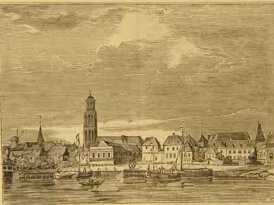 493 -TP000103 Gezicht op Zwolle vanuit het zuiden met op de voorgrond de stadsgracht. Verder o.a. de Onze Lieve ...