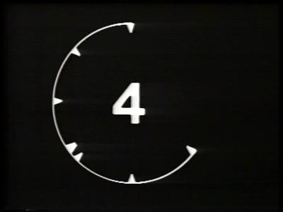 196 BB08621 Een montageband van Kabel Omroep Deventer (KOD), later opgegaan in Deventer Radio Televisie (DRTV), rondom ...