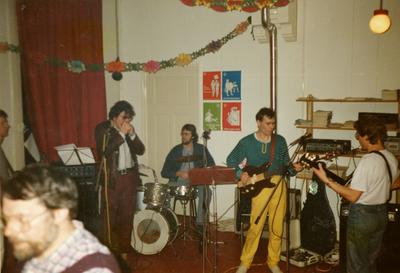 TBR Blues Band : foto van optreden bij de opening van PSP pand afdeling Zuid in Groningen