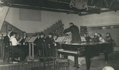 Huize Maas :  optreden van studentenkoor- en orkest Bragi