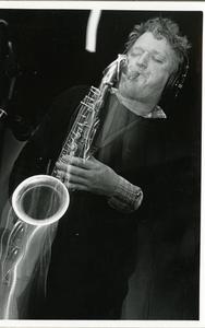AA & the Doctors : saxofonist Appie Alberts tijdens plaatopname in Studio Blijham