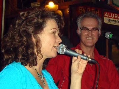 Macbetty : tijdens een optreden in de Kroeg van Klaas