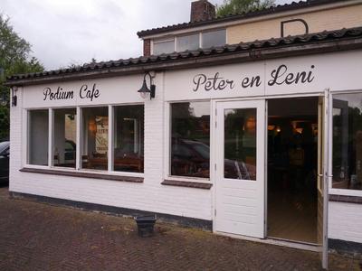 (Podium Café) Peter en Leni