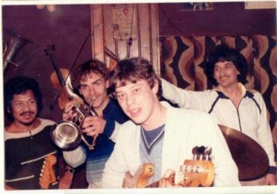 Dolf de Vries (17) met Maurits Hitijahubessy en Giorgio Chiavero in 't Palet