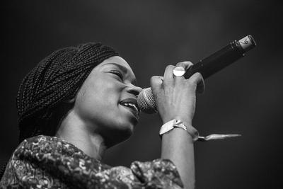 Noorderslag : Surinaams Goud zangeres Sabrina Starke tijdens optreden in de Grote Zaal van De Oosterpoort