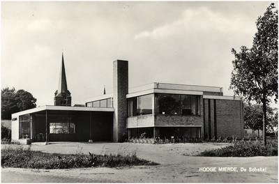 Gemeenschapshuis De Schakel, De stad 5. Op de achtergrond de kerk